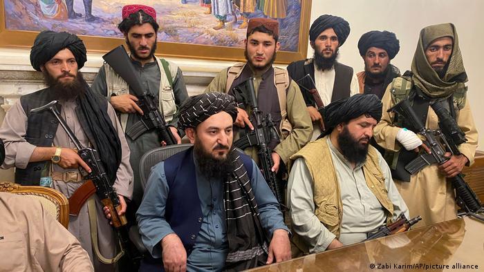 Talibanii în palatul prezidențial de la Kabul